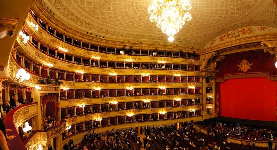 Limousine & Chauffeur Service Teatro alla Scala - Salone del Mobile